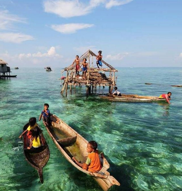 Semporna Water Village Borneo Starcruise