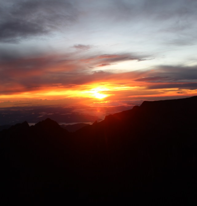 Sunrise on Mount Kinabalu with Borneo Starcruise